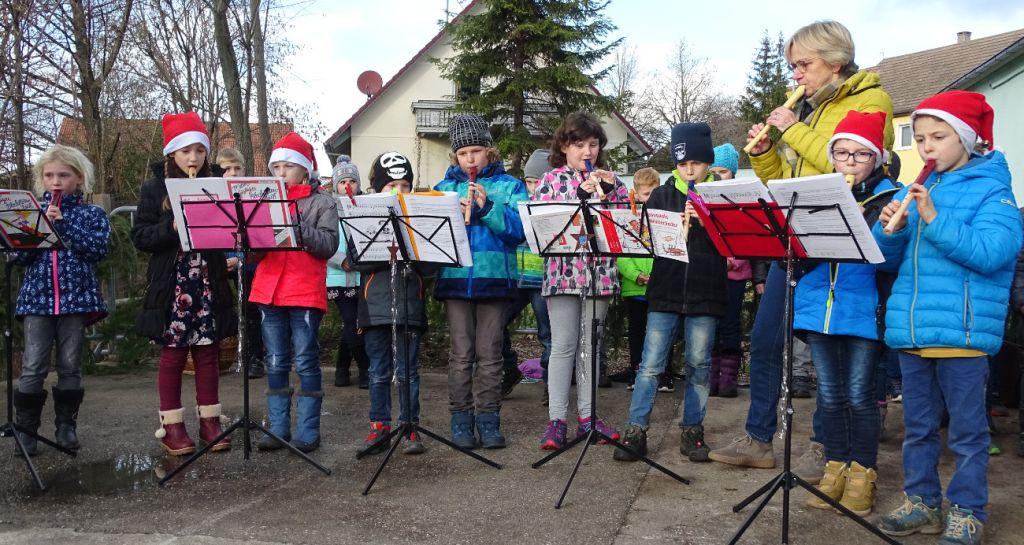 Schwäbisch Gmünd Weihnachtsmarkt.Weilermer Weihnachtsmarkt Bei Sonnigem Wetter Nachrichten Und Bilder
