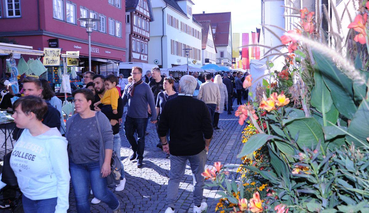 Kirchweihsonntag: Viel los in der Einkaufs- und Erlebnisstadt Schwäbisch Gmünd