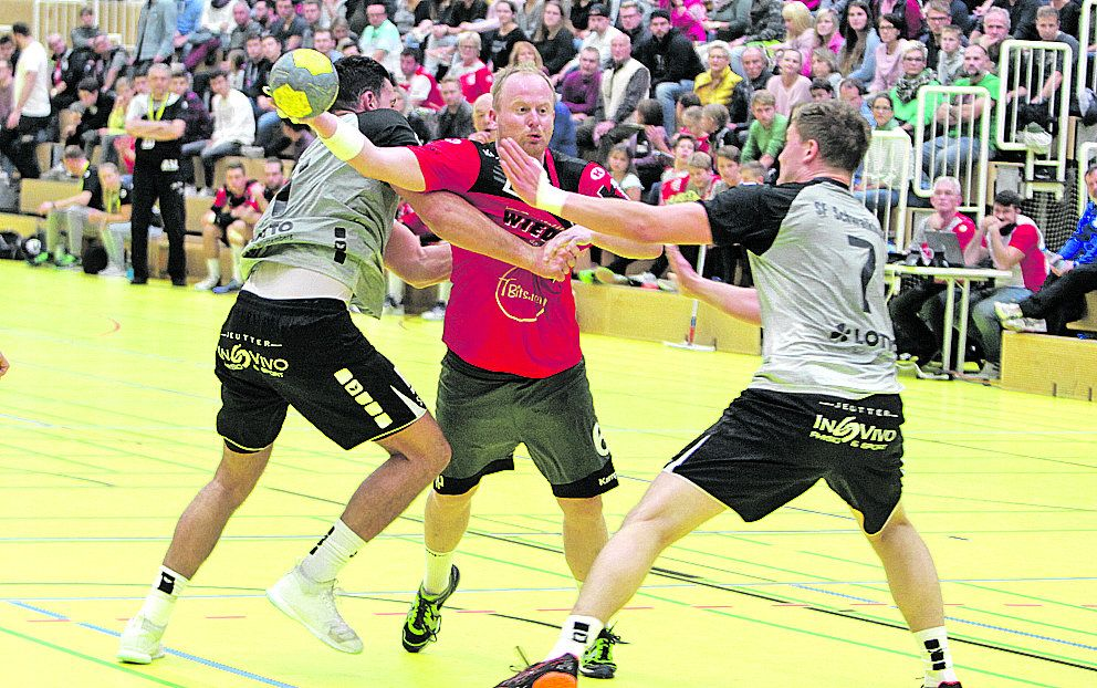 Handball: TSV Alfdorf/Lorch bleibt nach 27:27 in Waiblingen Tabellenführer - Rems-Zeitung