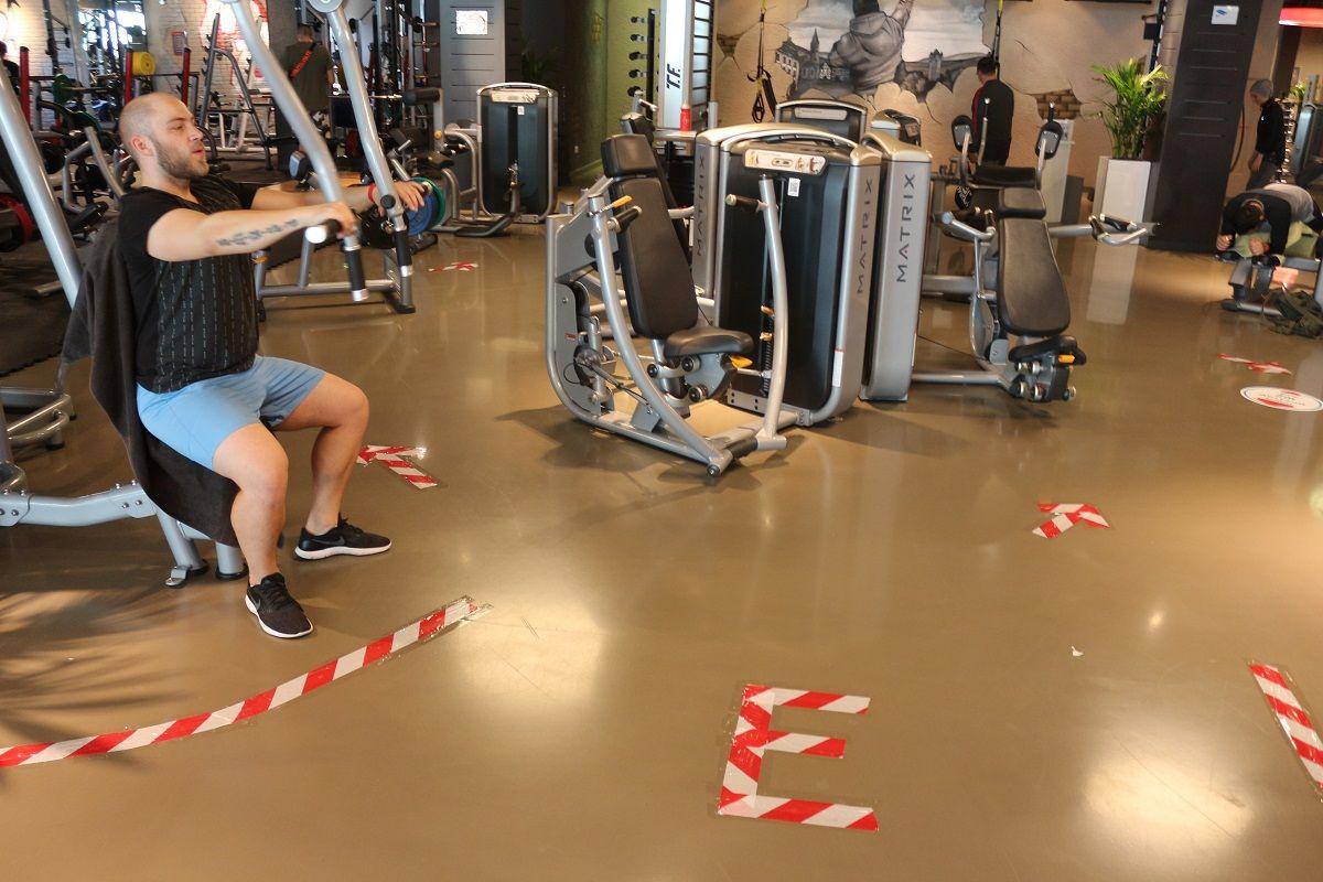 Corona Wann öffnen Fitnessstudios
